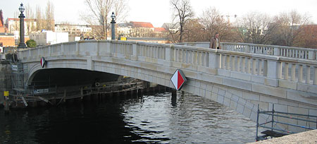 monbijou_bridge.jpg