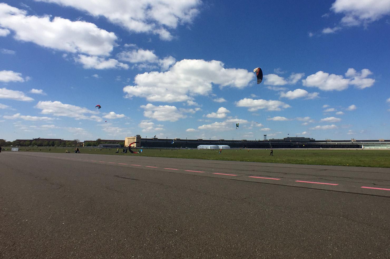 Tempelhofer Feld: parade-ground, airport, spandex leisure resort